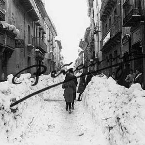 Jaca antiguo nevado